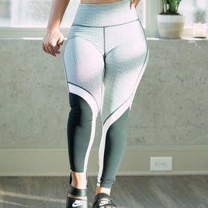 Mono B Elevate Black White Workout Leggings